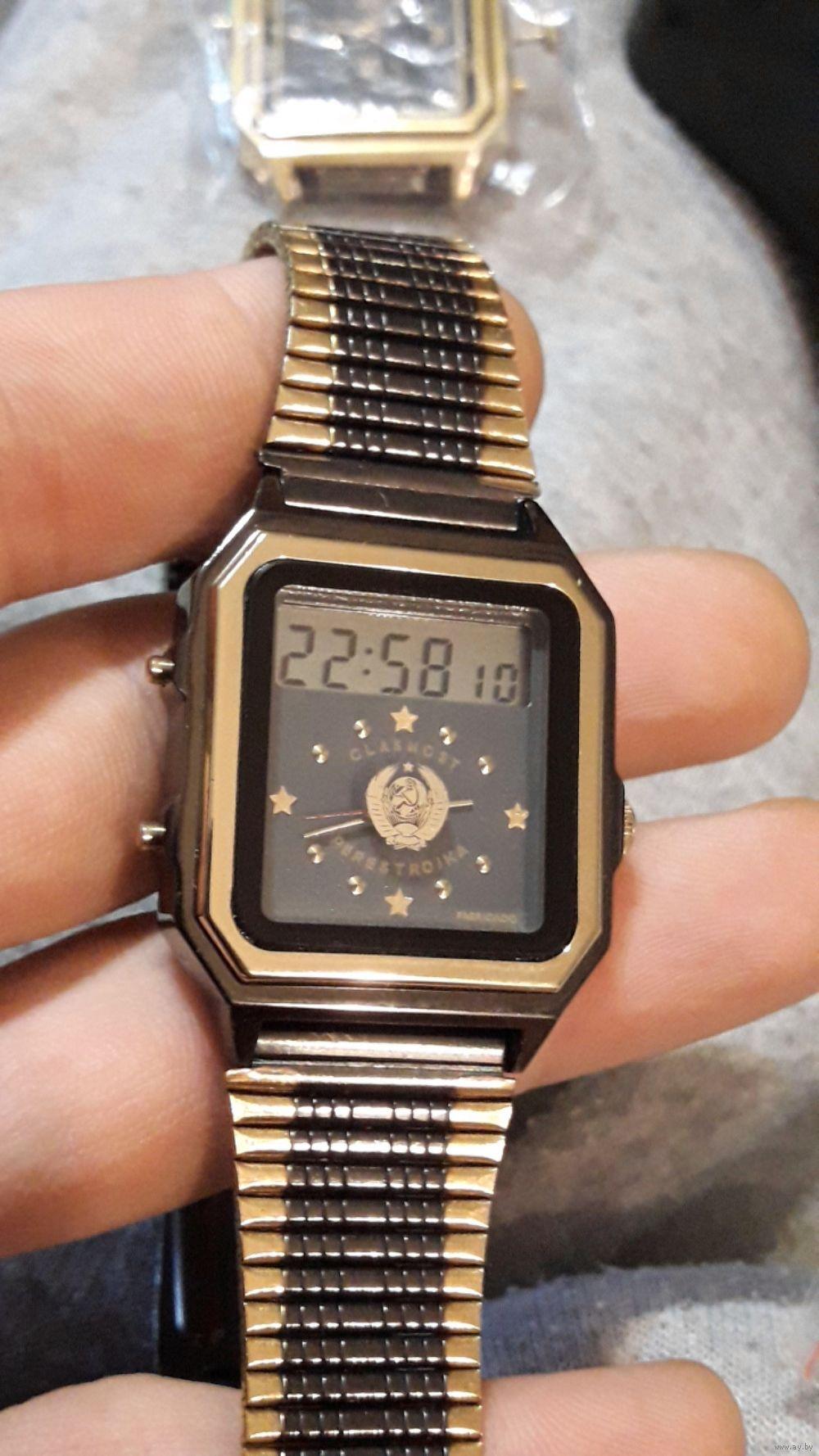 В комплекте: часы, браслет и нейлоновый ремень, подарочная коробка, инструкция, гарантийный талон.